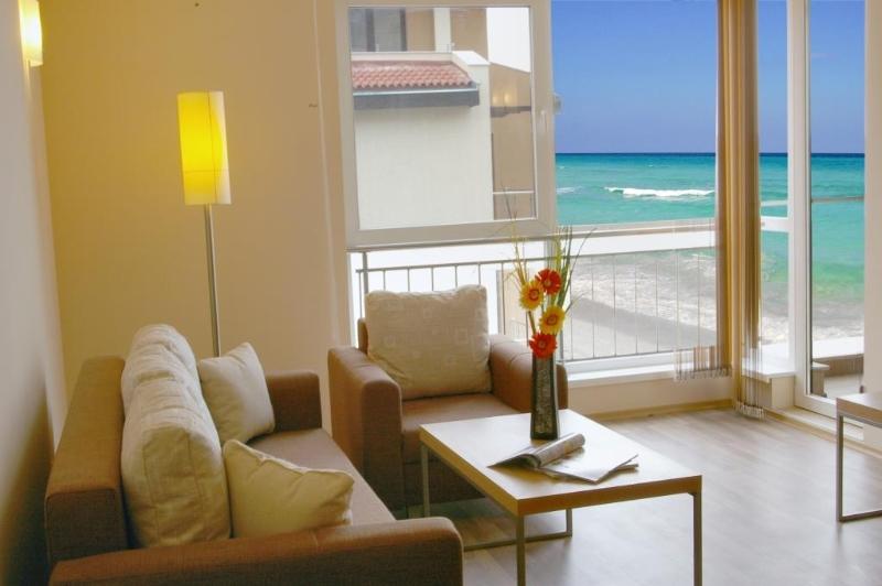 Купить квартиру на море в испании недорого